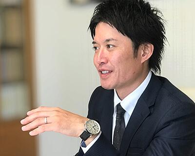 代表取締役 笠井健弘の顔写真