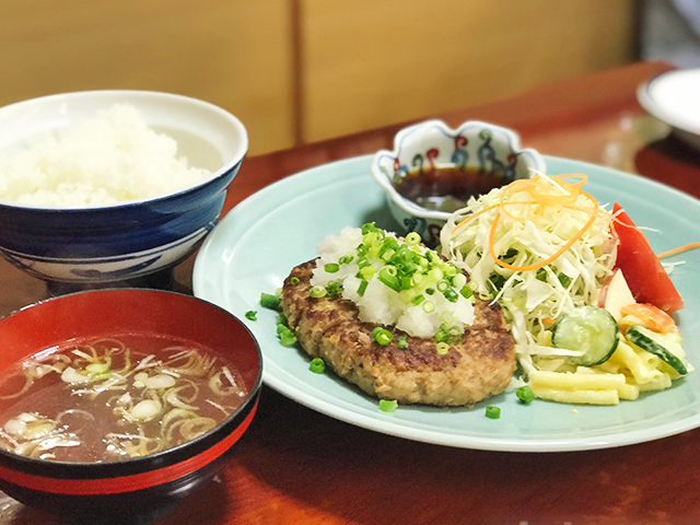 和風おろしハンバーグとライス・スープの画像