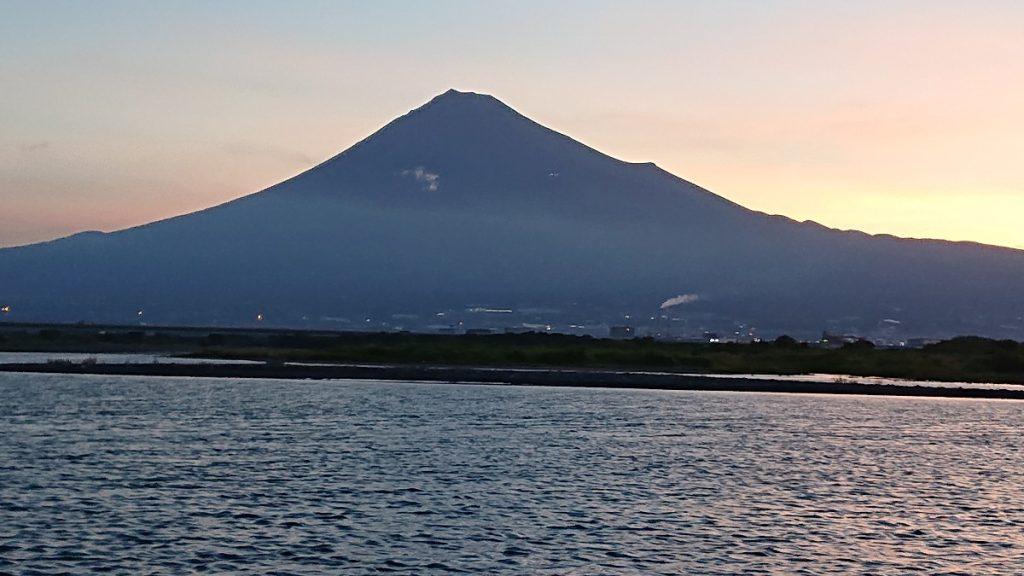 霊峰富士の荘厳なお姿