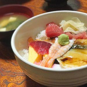 丸の内「東京鮨」さんのワンコイン海鮮丼(甲府まちメシブログ vol.1)