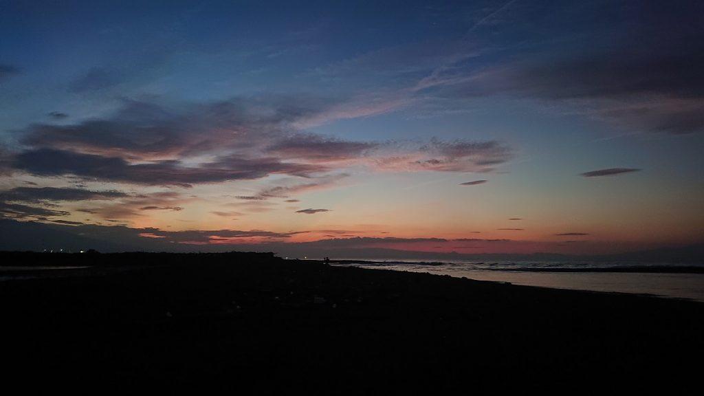 間もなく日の出を迎えます