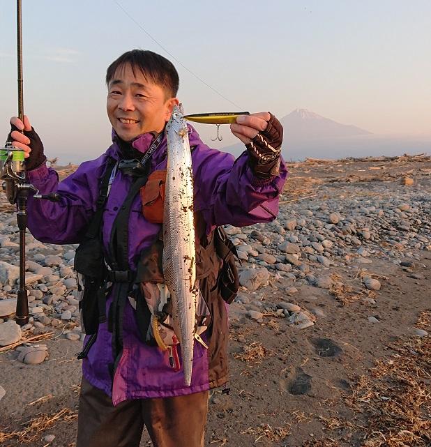 太刀魚と記念撮影‼