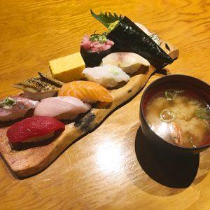 丸の内「板前寿司 甲府店」さんの彩にぎりセット(甲府まちメシブログ vol.11)